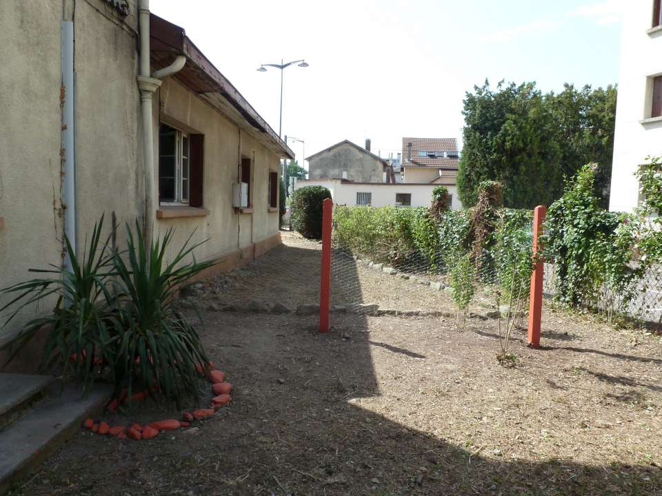 Espaces verts d broussaillage fontaine synergie for Chantier espace vert